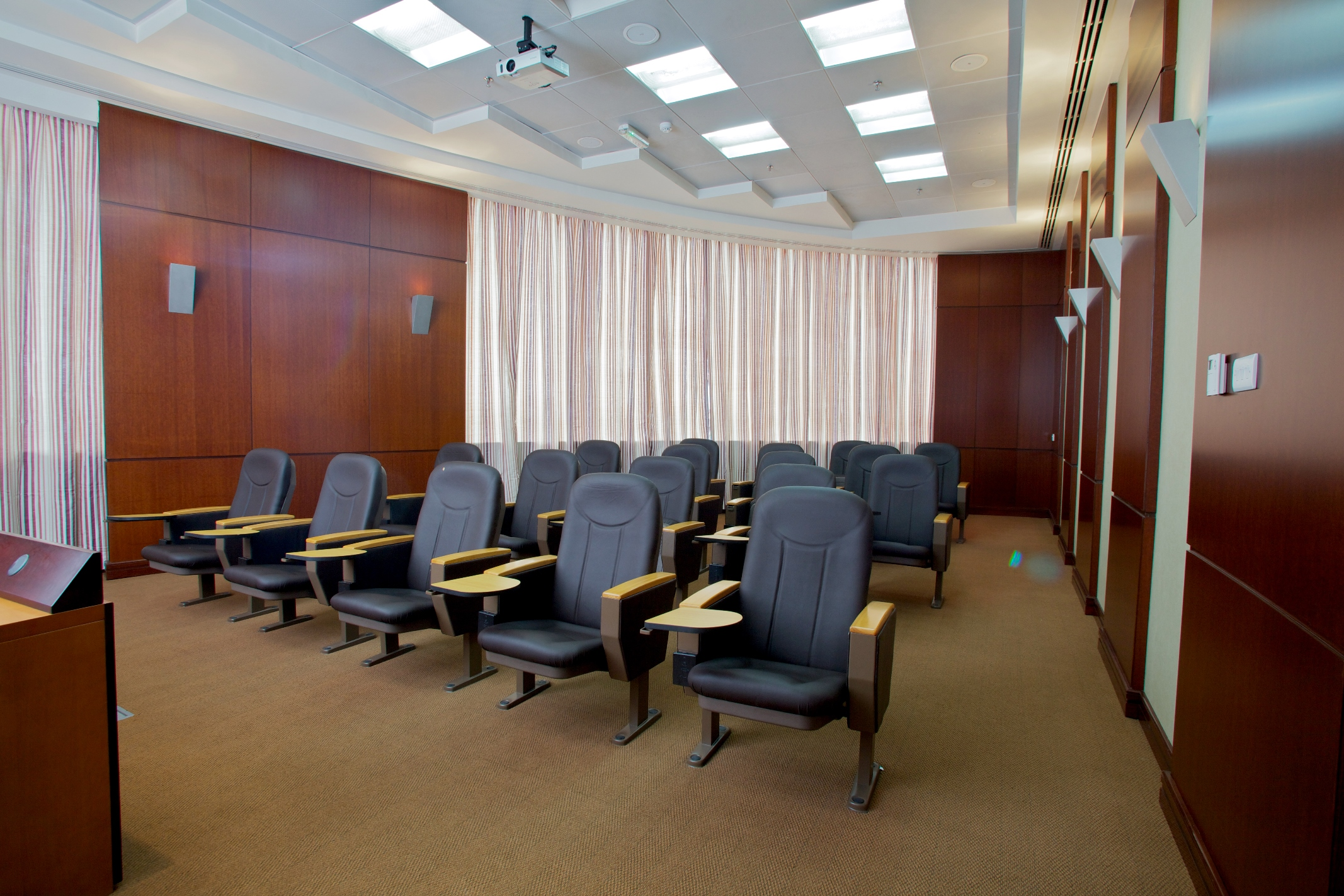 Al Fayrooz Meeting Room1
