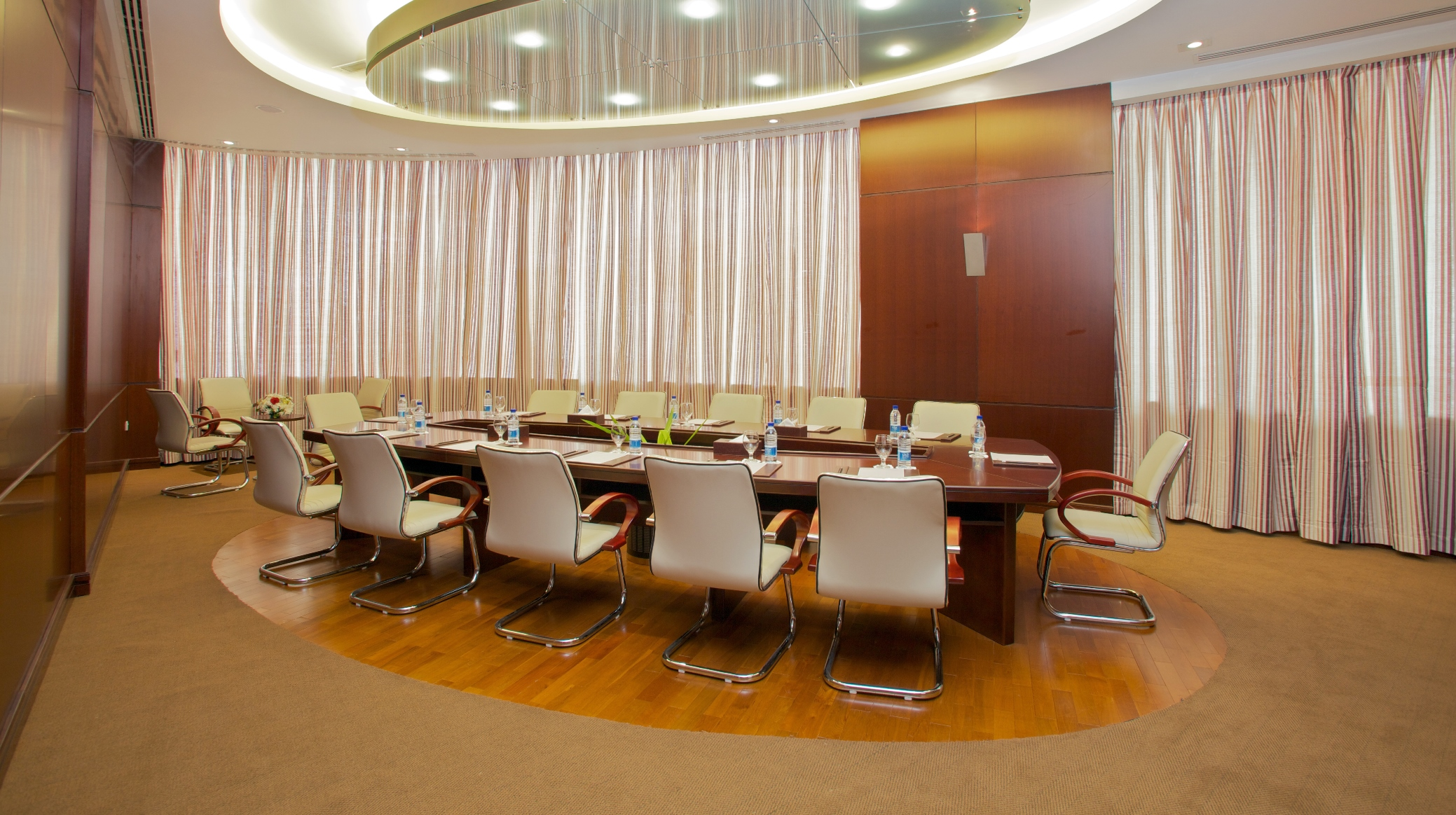 Al Yaqoot Meeting Room