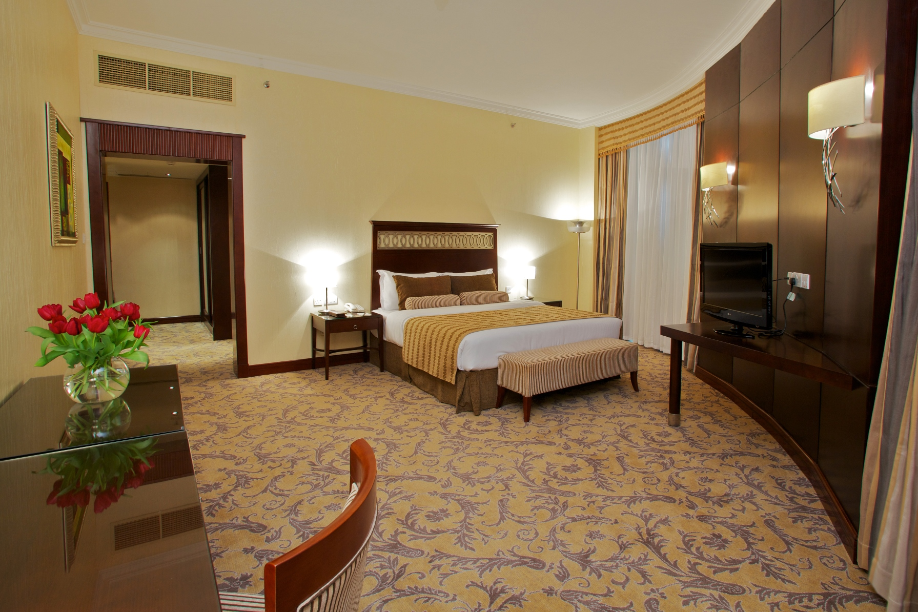 Royal Suite Queen Room